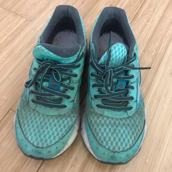 mizuno mens running shoes size 11 years hik